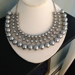 Jewelry - pearl gray statement necklace